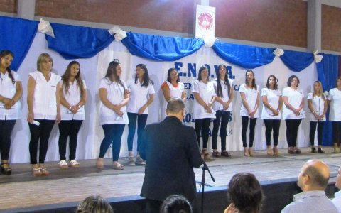 Larroque – hoy se recibieron 15 nuevas profesoras de educación primaria en la extensión áulica ubicada en el  Colegio José Benedicto Virué.