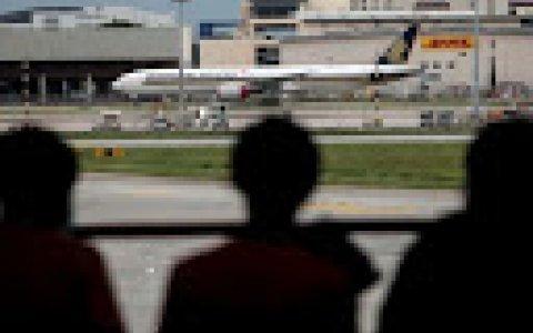 """""""Vuelos a ninguna parte"""", una estrategia de las aerolíneas para sobrevivir a la pandemia"""