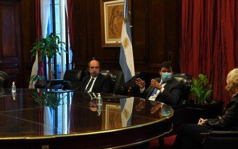 Trabajo firma un convenio de colaboración con el banco de la nación argentina