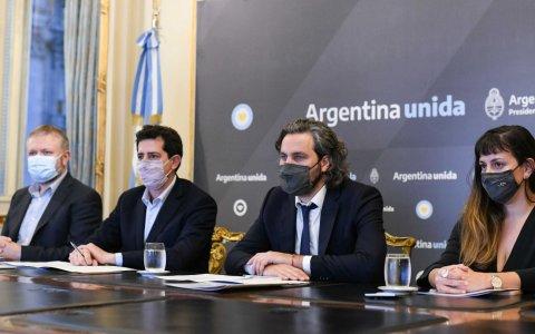 Cafiero y de pedro encabezaron la firma de un convenio para brindar conectividad a zonas fronterizas