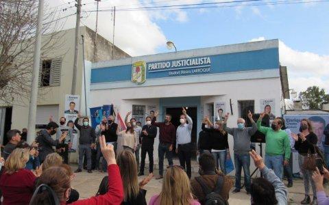 """Cresto en Larroque: """"es necesario convertir en ley todas las buenas políticas públicas""""."""